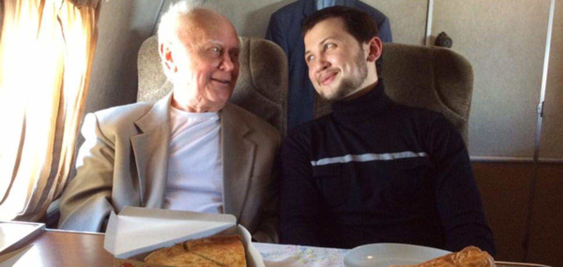 Год назад они обрели свободу: Порошенко поздравил Солошенко и Афанасьева