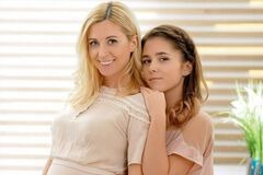 Тоня Матвієнко з дочкою