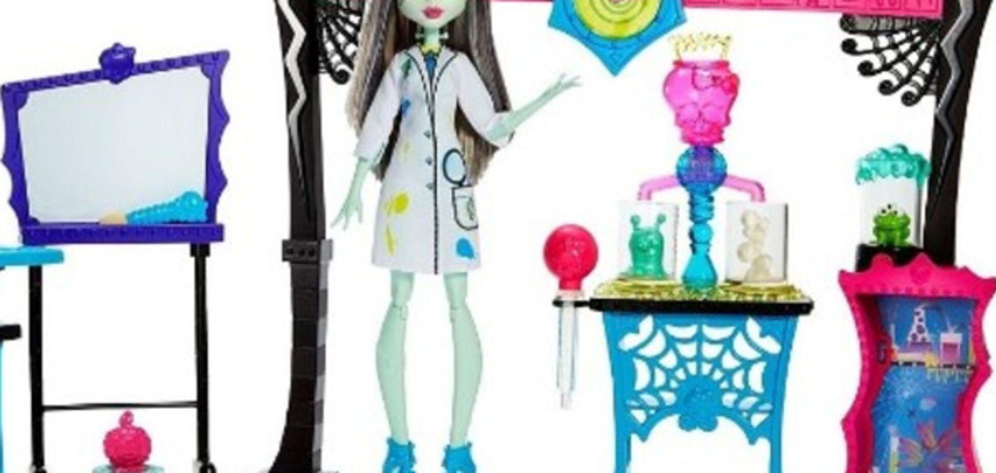 Игровые наборы Monster High: мебель и аксессуары в 'монстростиле'