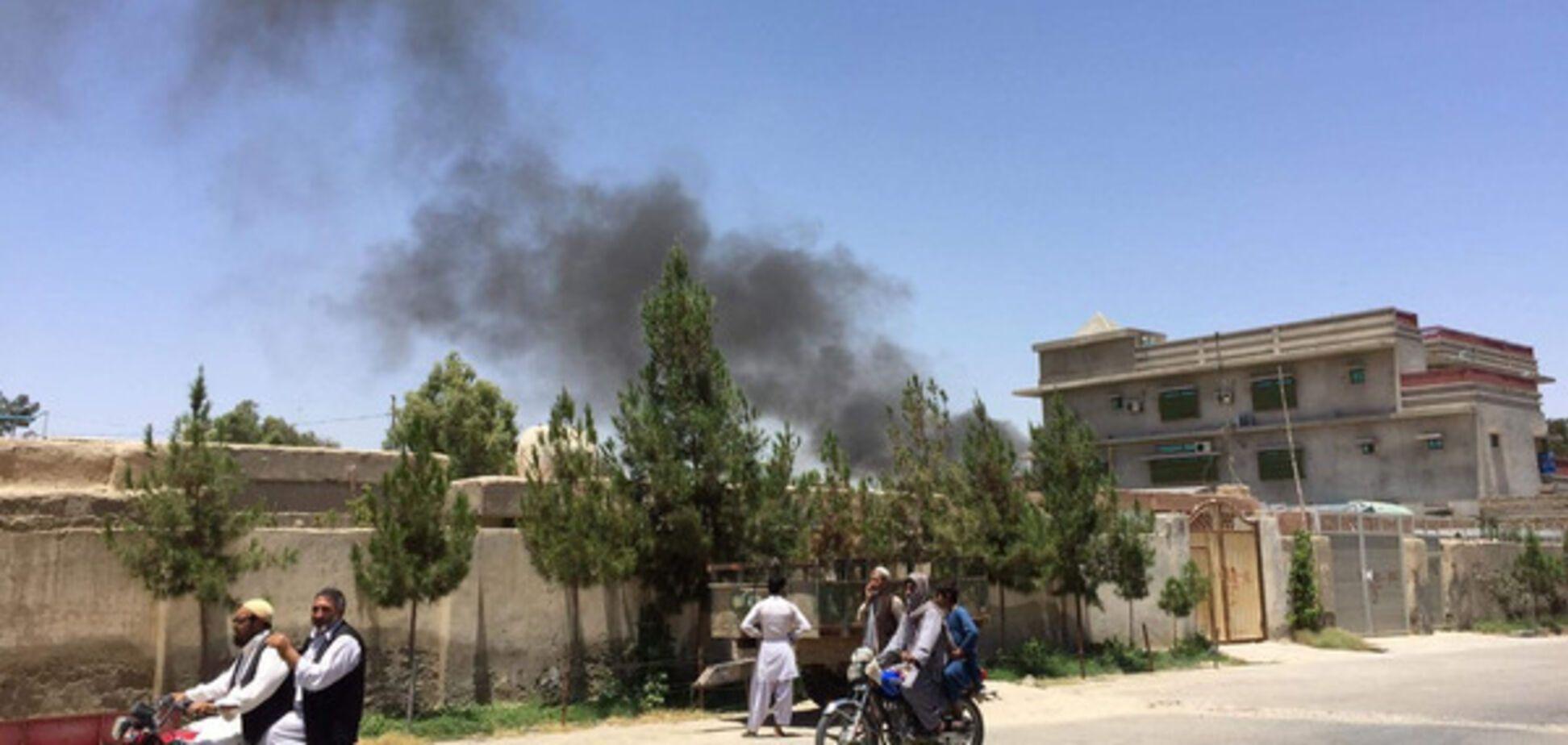 В Афганістані прогримів потужний вибух біля банку: десятки загиблих і поранених