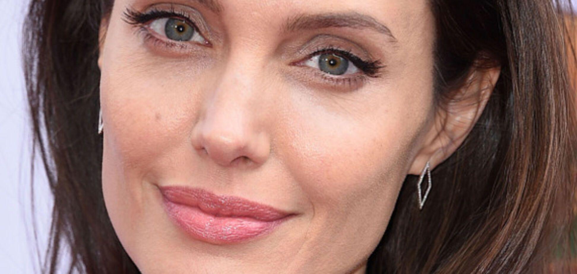 Анджеліну Джолі викрили в ін'єкціях ботоксу: фотофакт
