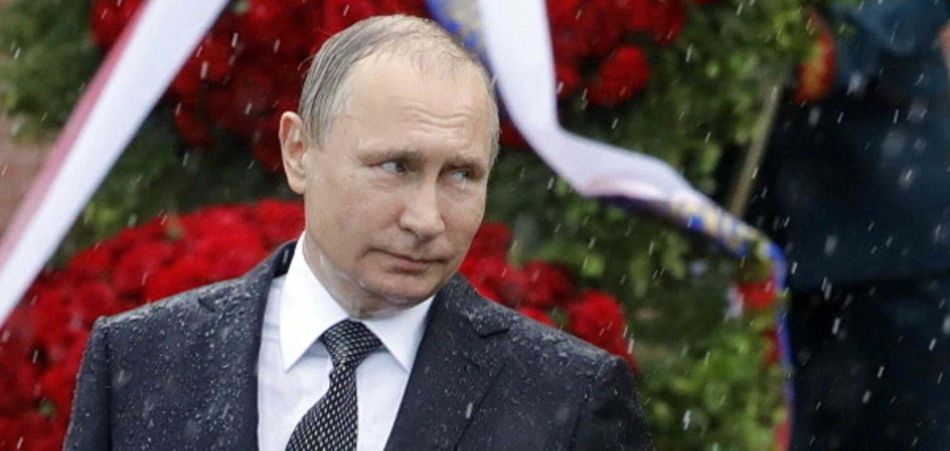 У мережі показали, у кого Путін вкрав ідею \'мокрих\' фото