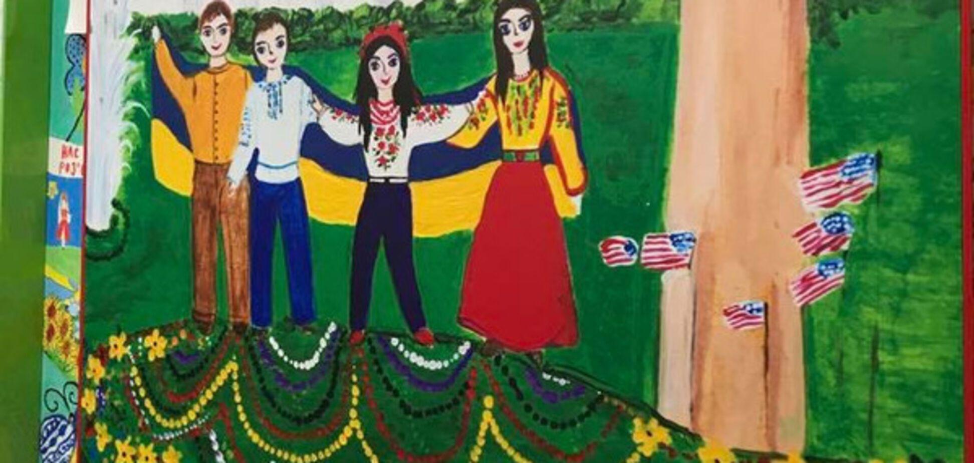 'А меня за такое наказывали': у Порошенко показали, как дети разрисовали стены в АПУ