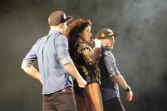 Ревіла на кордоні: відому R&B-співачку не пустили в Україну
