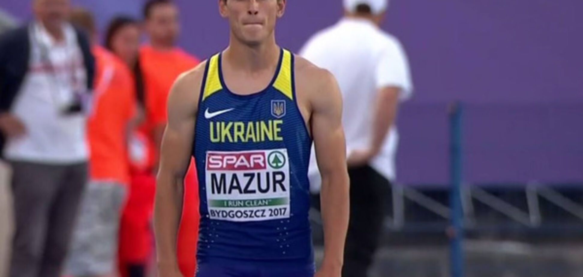 Владислав Мазур