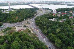 Бульвар Дружбы народов в Киеве
