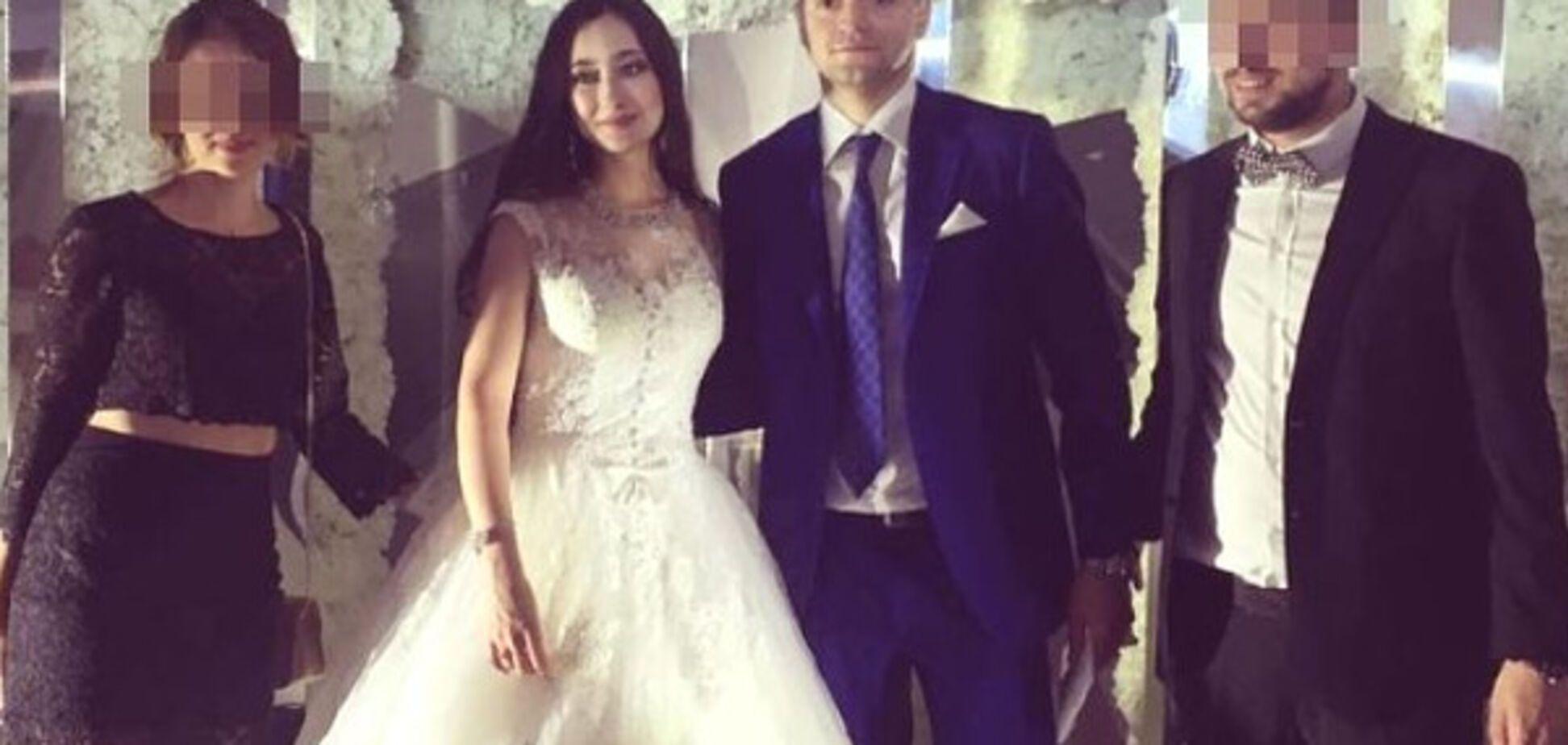 Скандал с \'золотой\' свадьбой в России