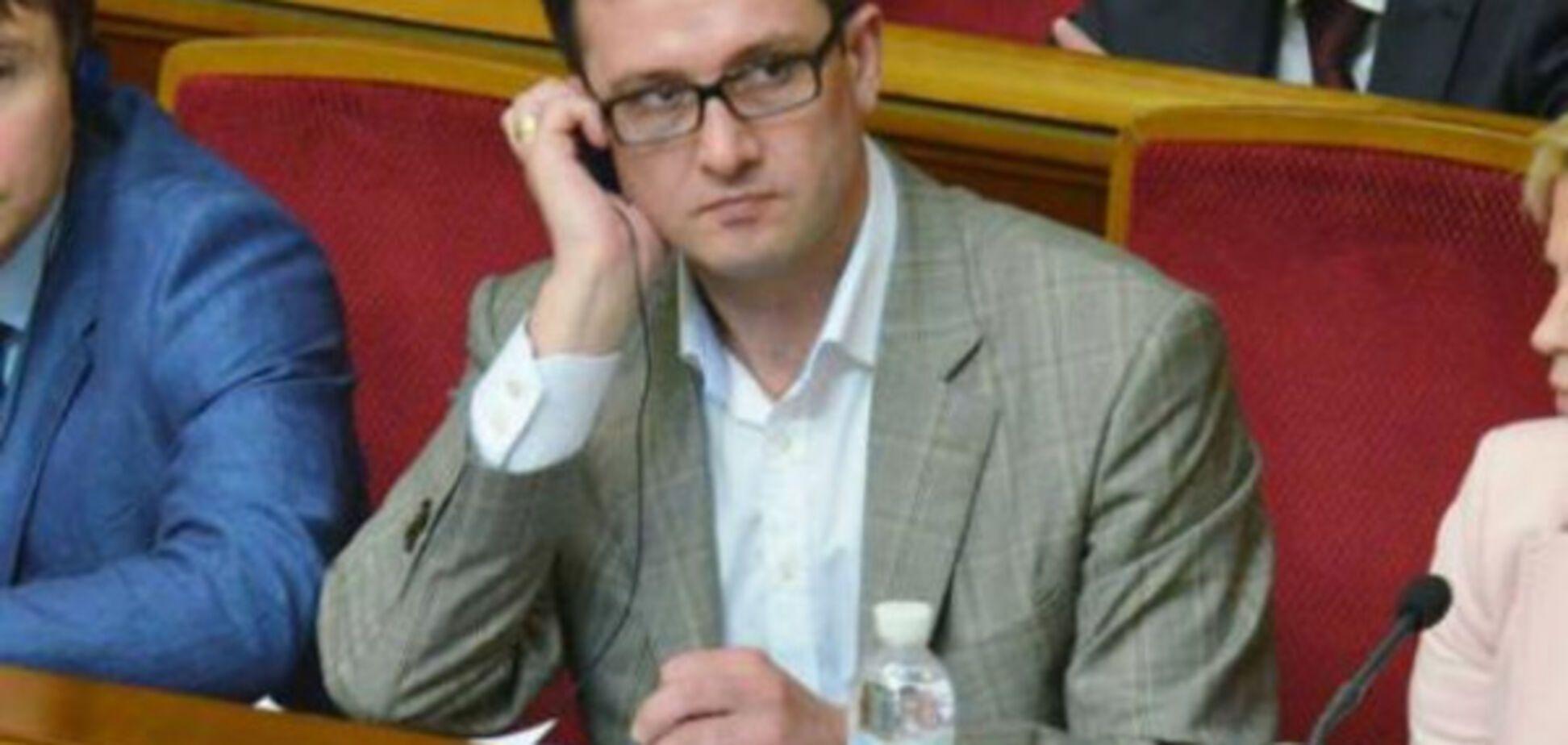 В команде Порошенко прокомментировали скандальный законопроект №6489