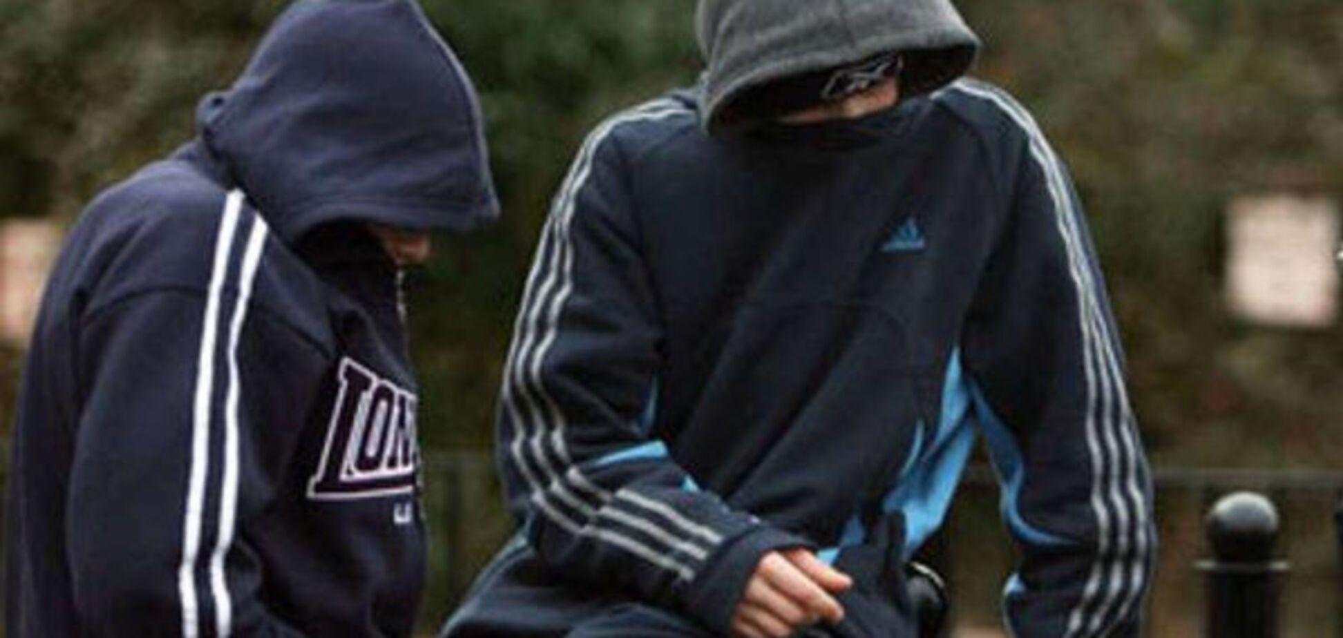В Запорожской области группа подростков связала и ограбила пенсионерку