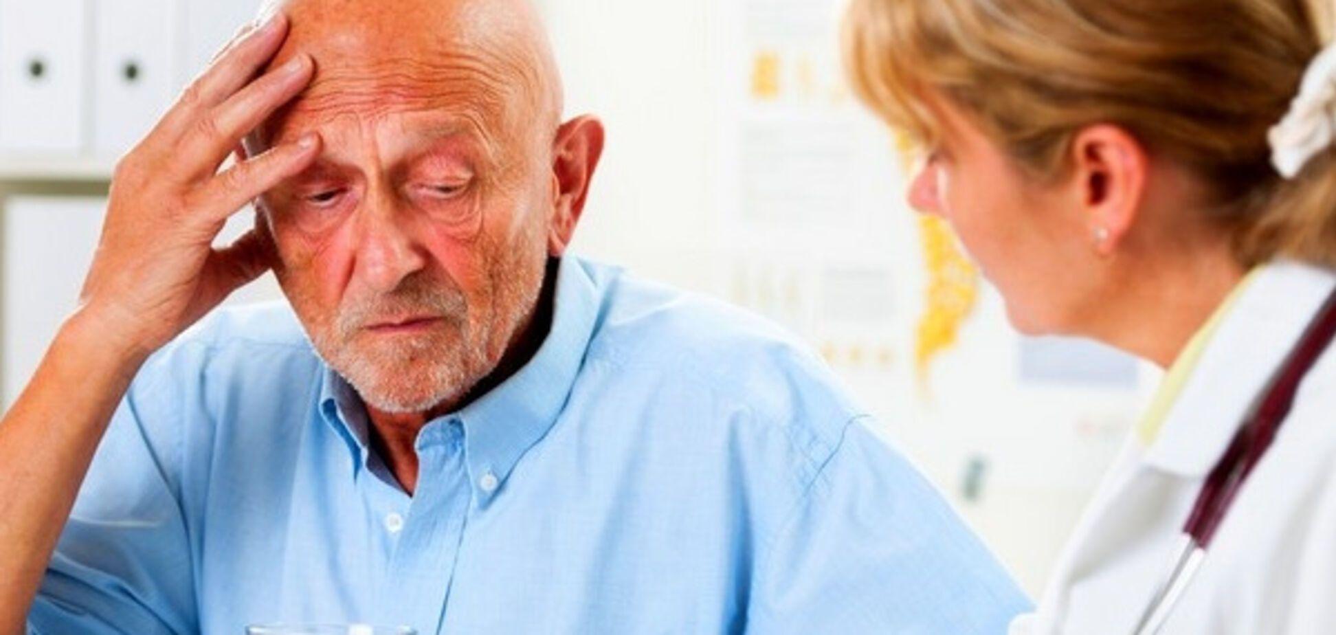 Ученый назвал работу, которая снижает риск болезни Альцгеймера