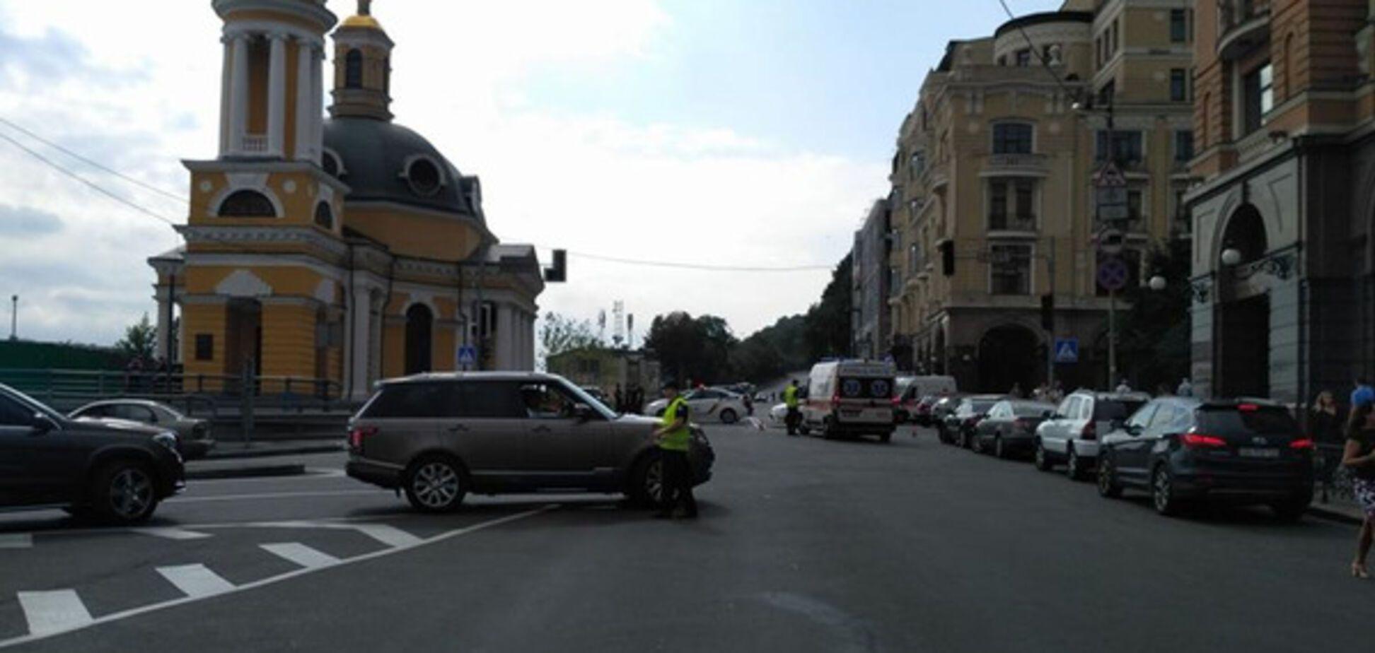 Хресна хода паралізувала рух у центрі Києва: з'явилися фото