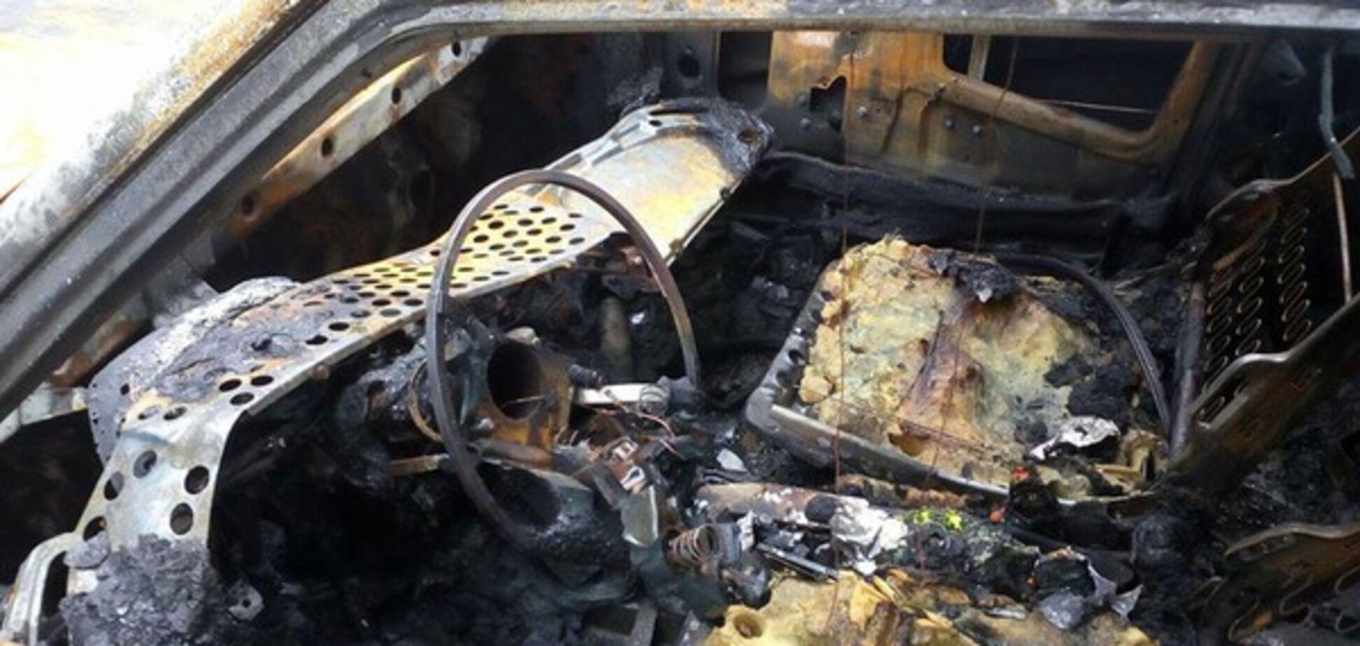 спалений автомобіль харківського журналіста