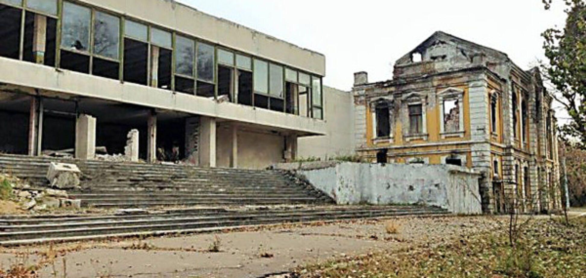 'Руины, мертвые цеха и безработица': в 'ЛНР' рассказали о жизни в оккупации