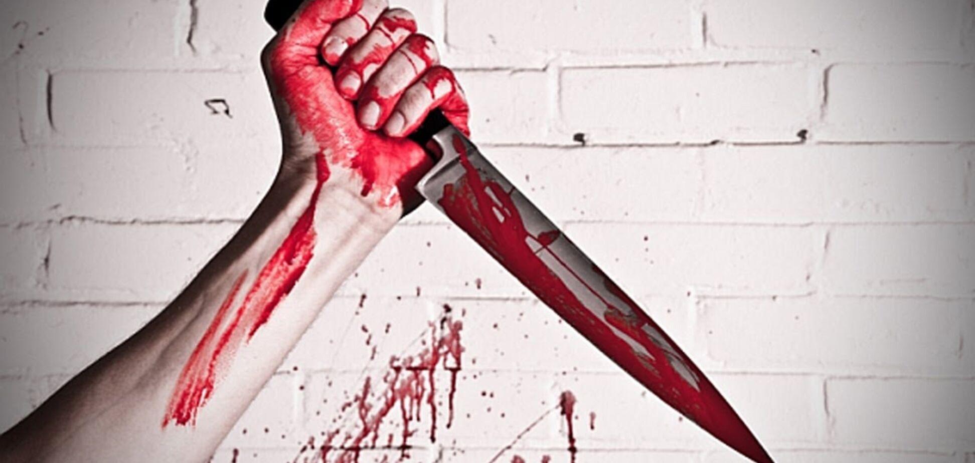 У Запоріжжі затримали чоловіка, який кидався на патрульних із ножем