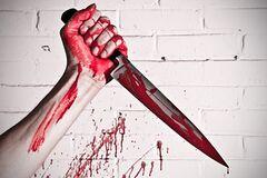 В Запорожье задержали мужчину, бросавшегося на патрульных с ножом