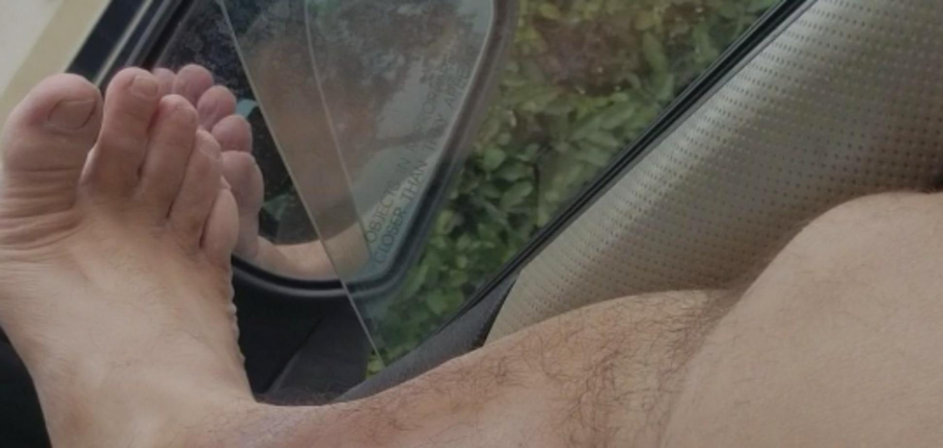 'Чужой, рвущийся на свободу': сеть поразило видео судороги на ноге у мужчины