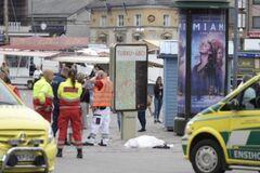 В Финляндии мужчина устроил резню посреди улицы: опубликованы фото и видео
