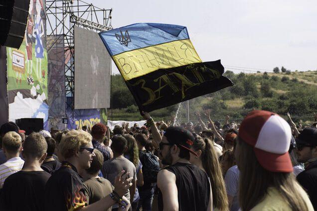 """Стартовал """"Захід Фест"""": невероятный драйв от украинских рокеров и легенд тяжелой музыки"""
