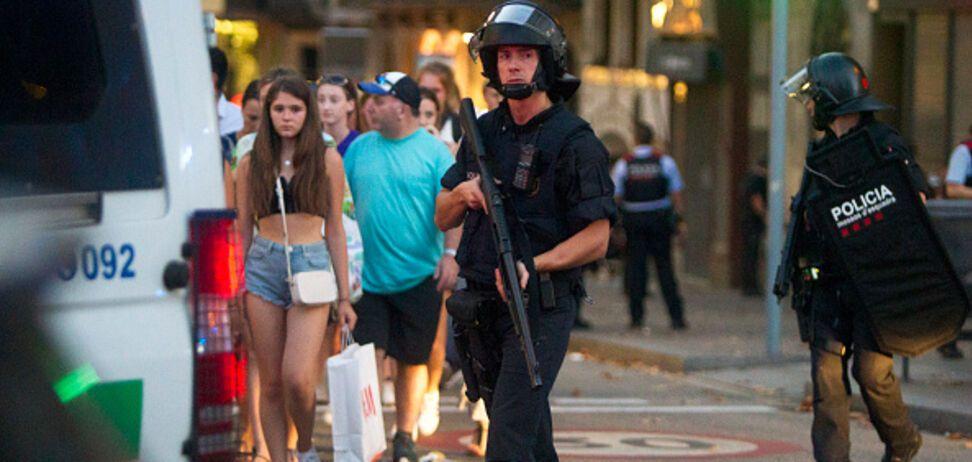 Теракт у Барселоні: поліція знайшла у нападників вибухівку 'мати Сатани'