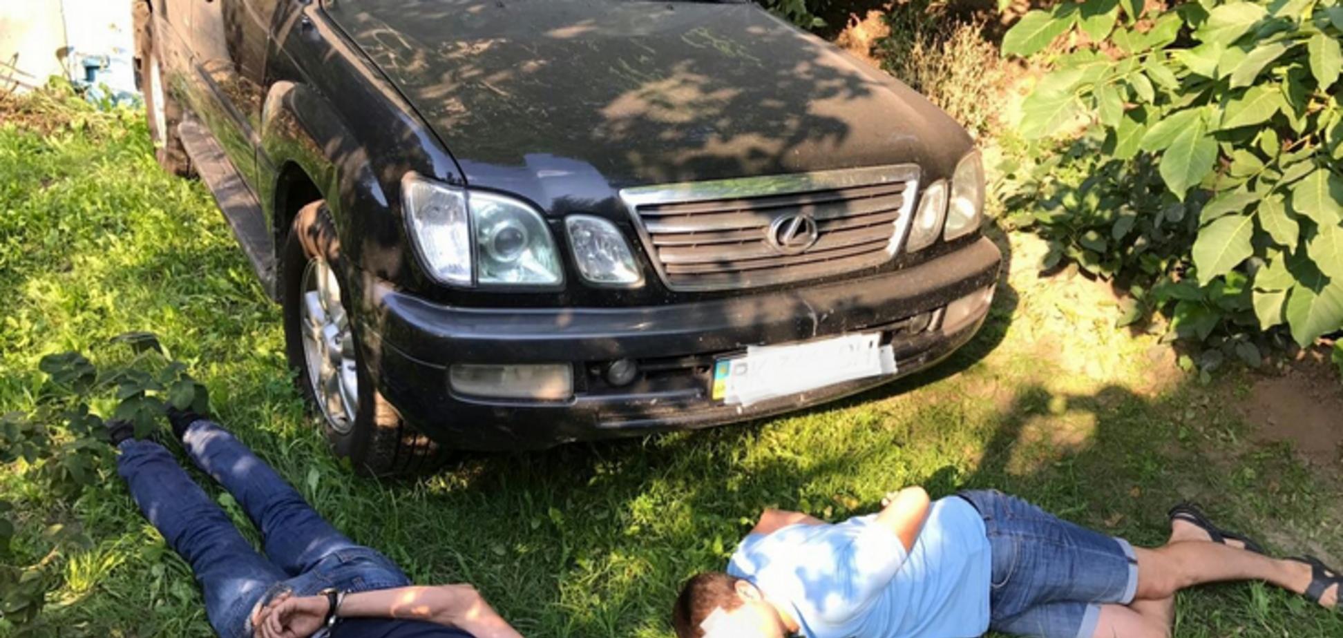 По гарячих слідах: заступнику голови Нацполіції повернули викрадений Lexus