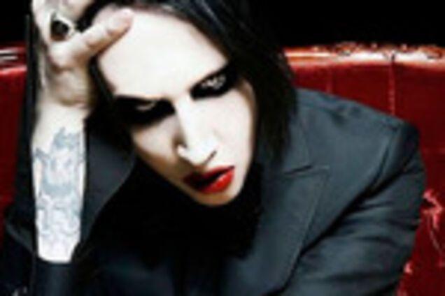 Мировая рок-звезда потерял сознание во время выступления: что произошло