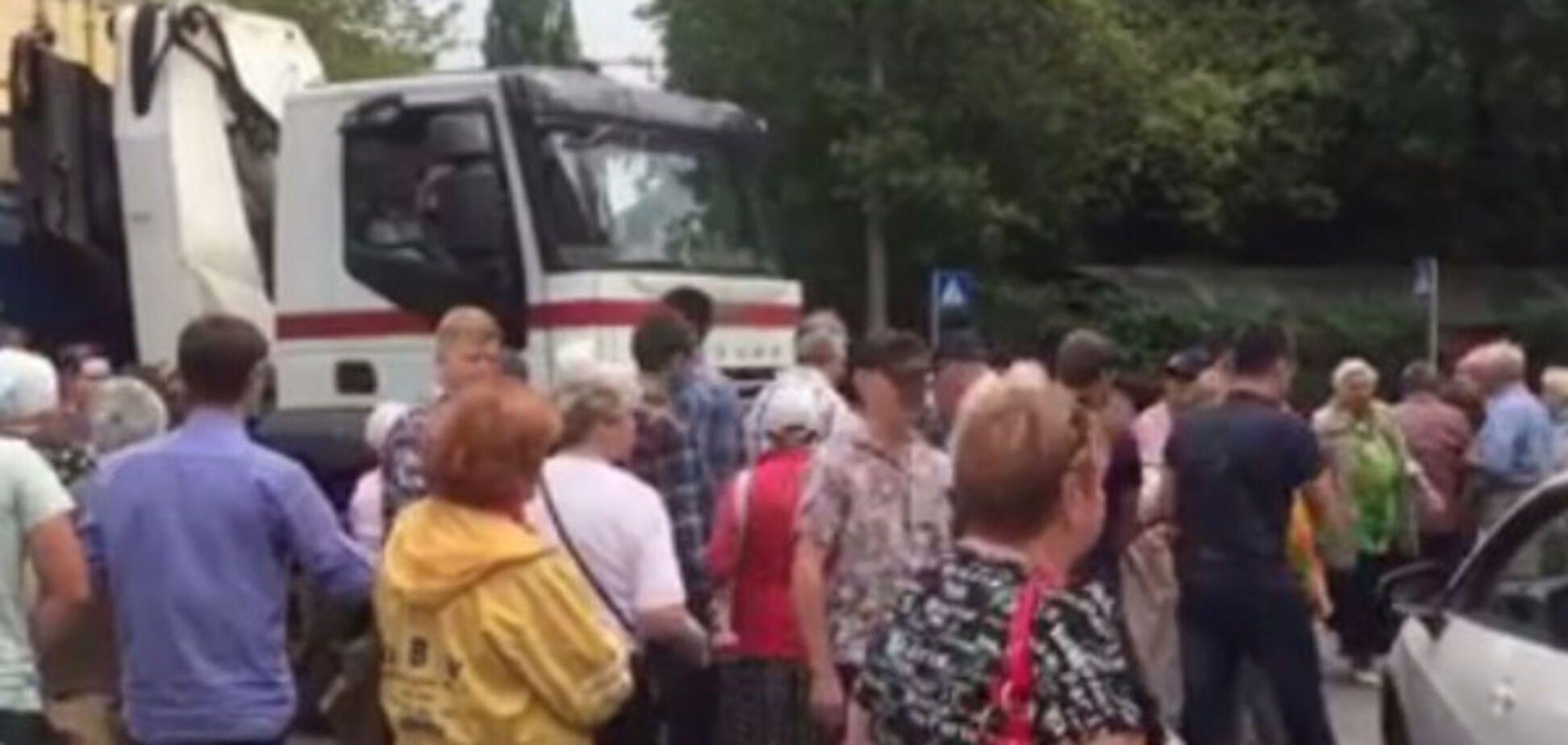 В Голосеево местные жители и активисты едва не подрались из-за строительства