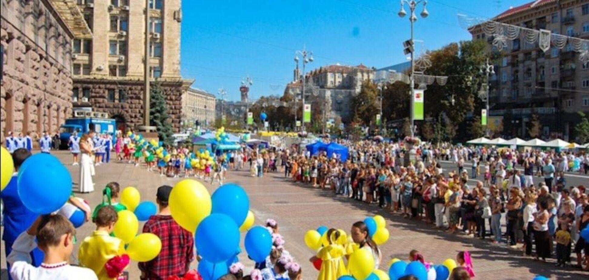 Відчуйте різницю: у мережі барвисто порівняли 1 вересня в Києві і Москві