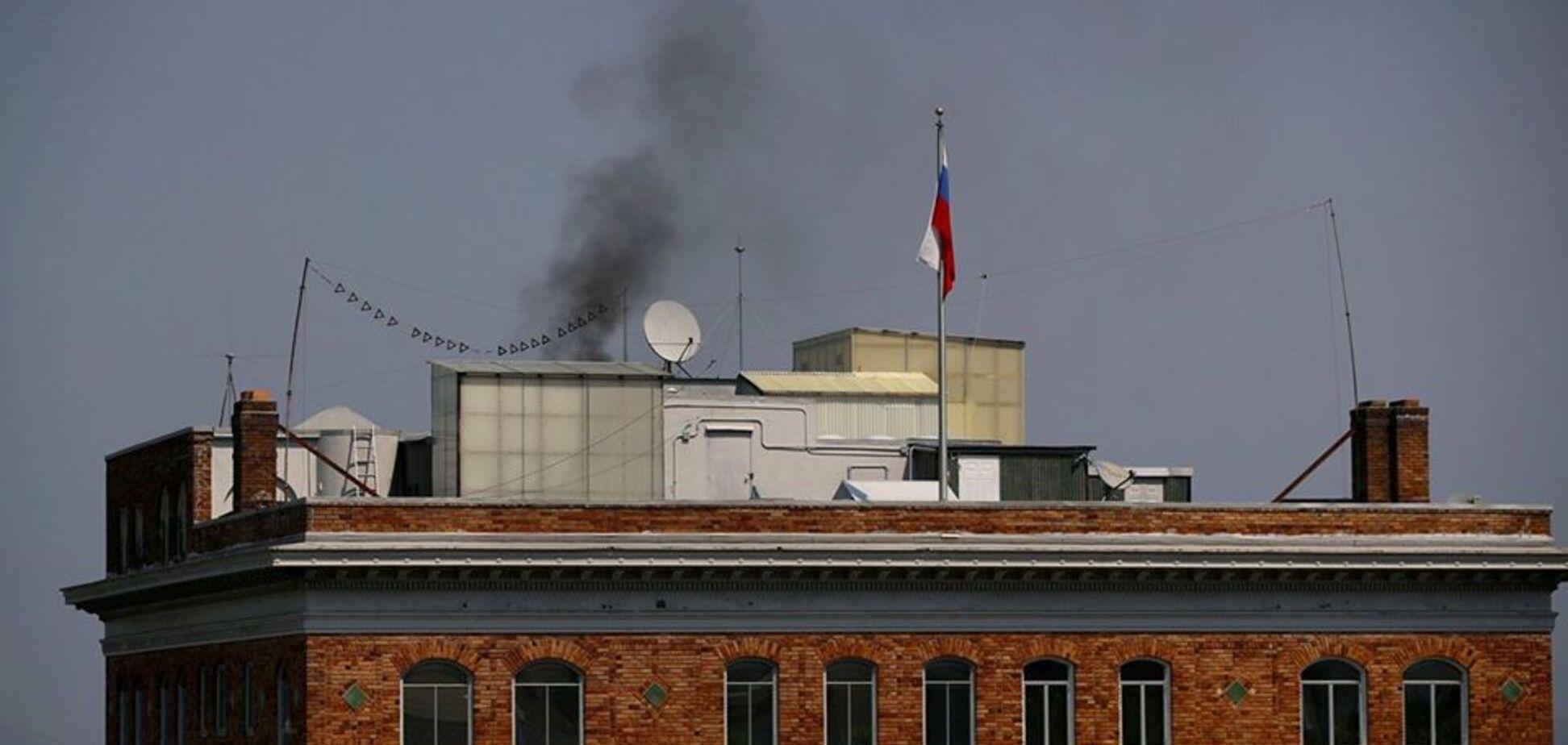 'Так пригорає у росіян': над консульством Росії у Сан-Франциско помітили чорний дим