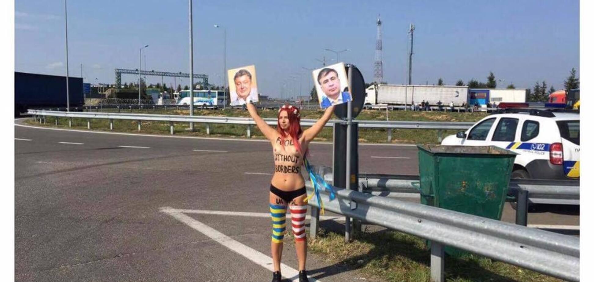 Активистка Femen топлесс присоединилась к 'прорыву' Саакашвили на 'Краковце'