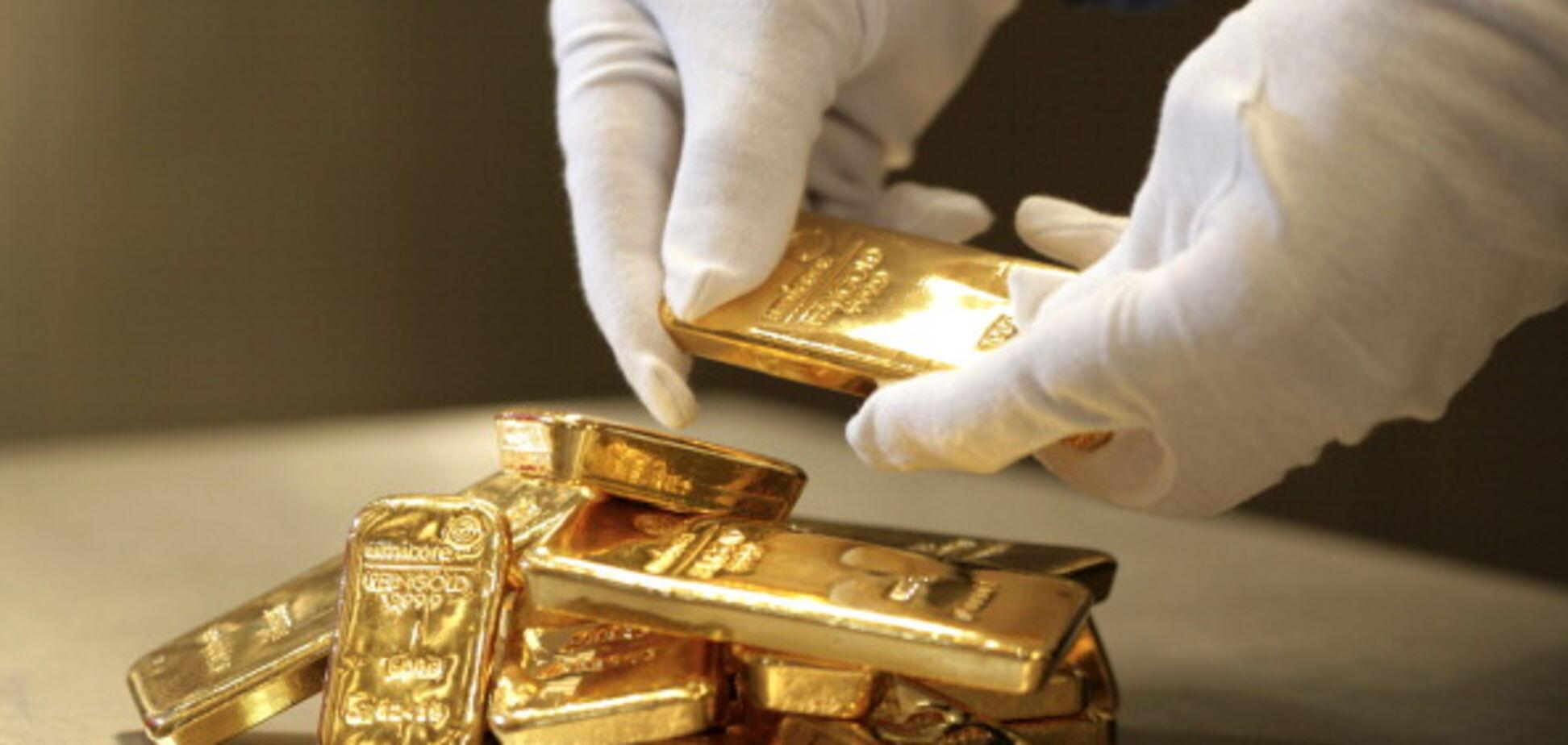 У генерала поліції, який погорів на хабарі, знайшли 16 злитків золота
