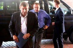 Прибрати Захарченка та Плотницького: генерал пояснив цілі Кремля
