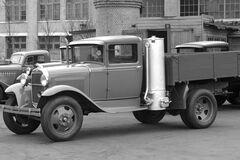Невероятно, но факт: украинцев поразили необычные автомобили на дровах в КНДР