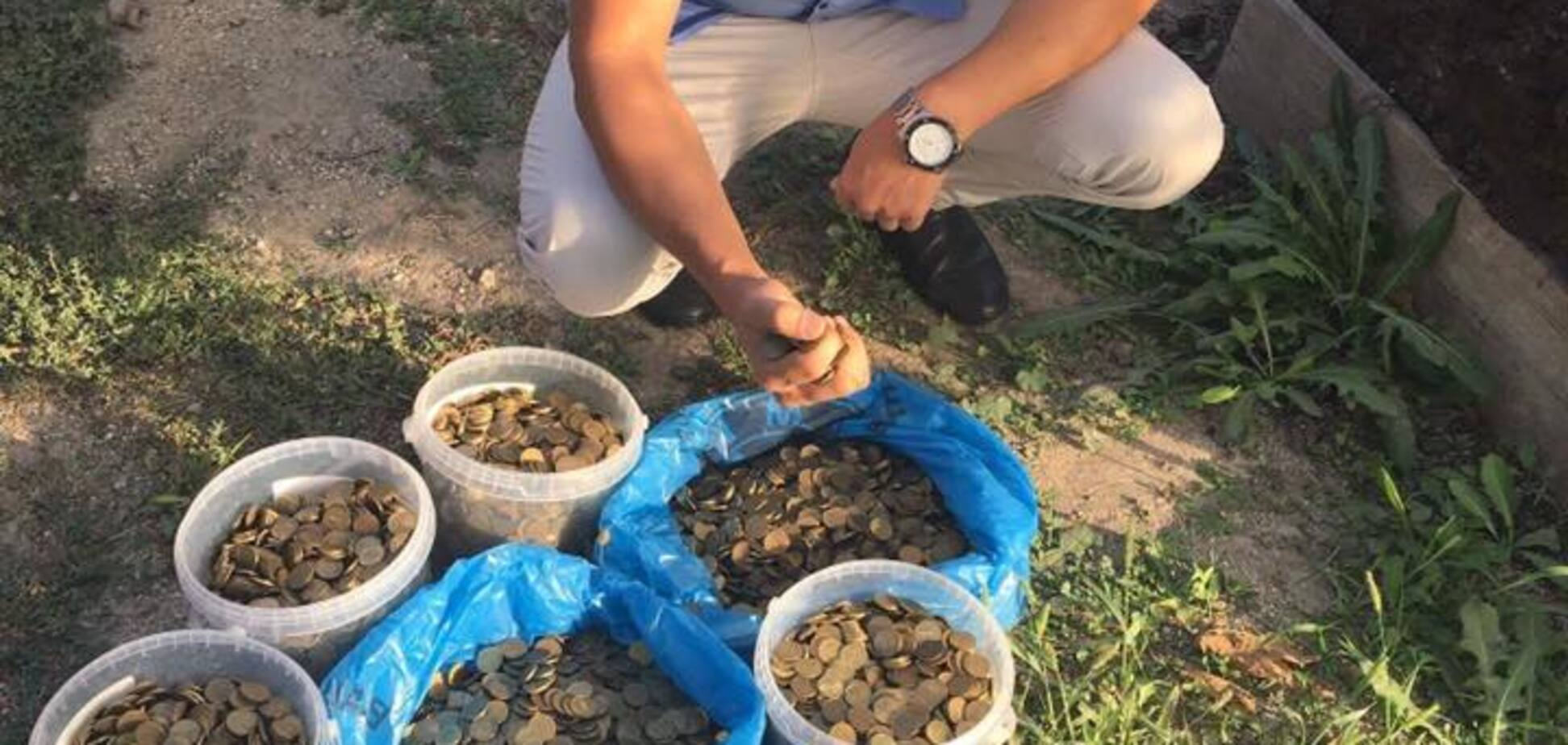 Платіж у 150 кг: кримські татари виплатили окупантам 300 тис. штрафу монетами