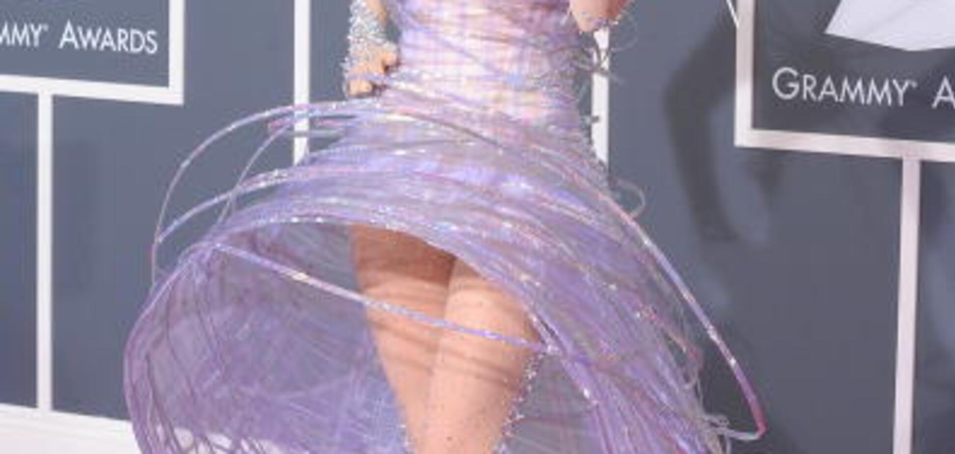 'Дуже сильні болі': Леді Гага тимчасово залишає сцену