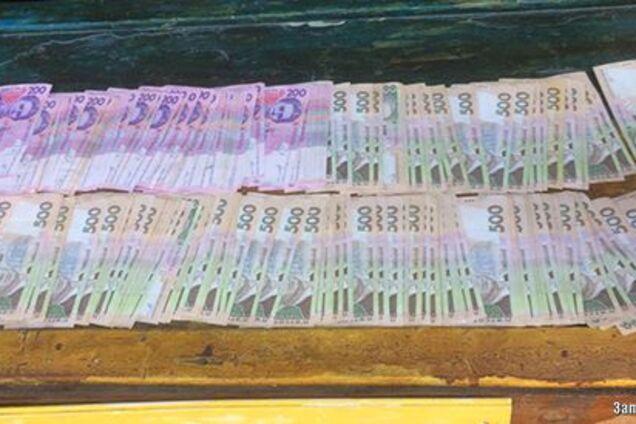 Чиновник из Запорожья попался на взятке в несколько десятков тысяч гривен