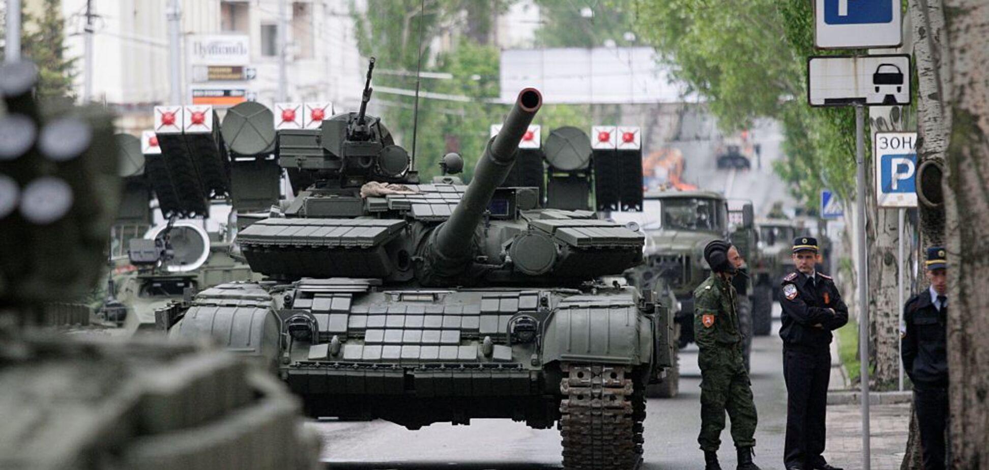 Тимчасова адміністрація та роззброєння: заступник міністра пояснив, як РФ піде з Донбасу