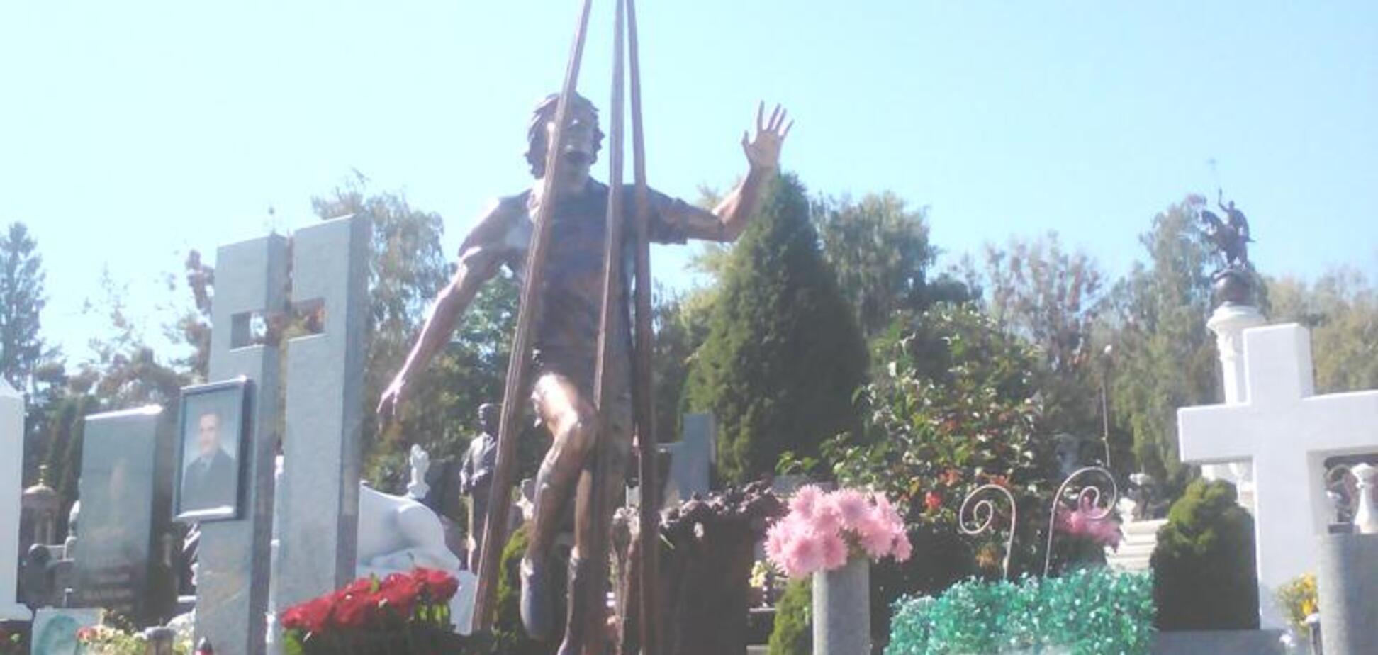 Пам'ятник Андрію Гусіну