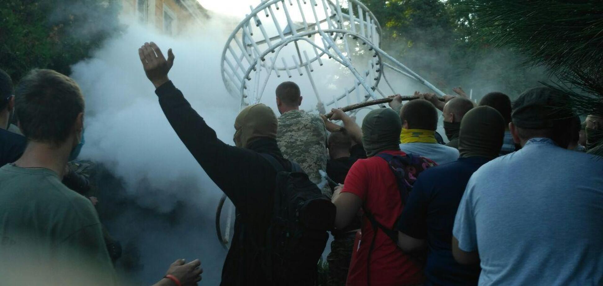 'Евакуювали' консула РФ: в Одесі сталися заворушення після рішення суду у справі 2 травня