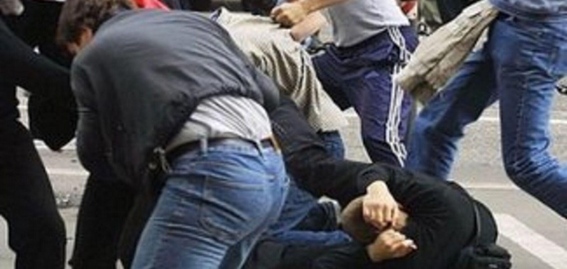 У Росії до напівсмерті побили українського біженця за крики 'За Донбас!'