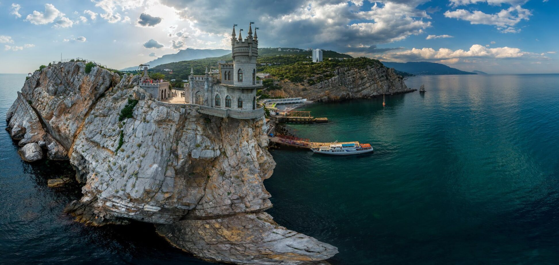 У Криму окупанти знищують головні визначні пам'ятки: ЮНЕСКО забило на сполох
