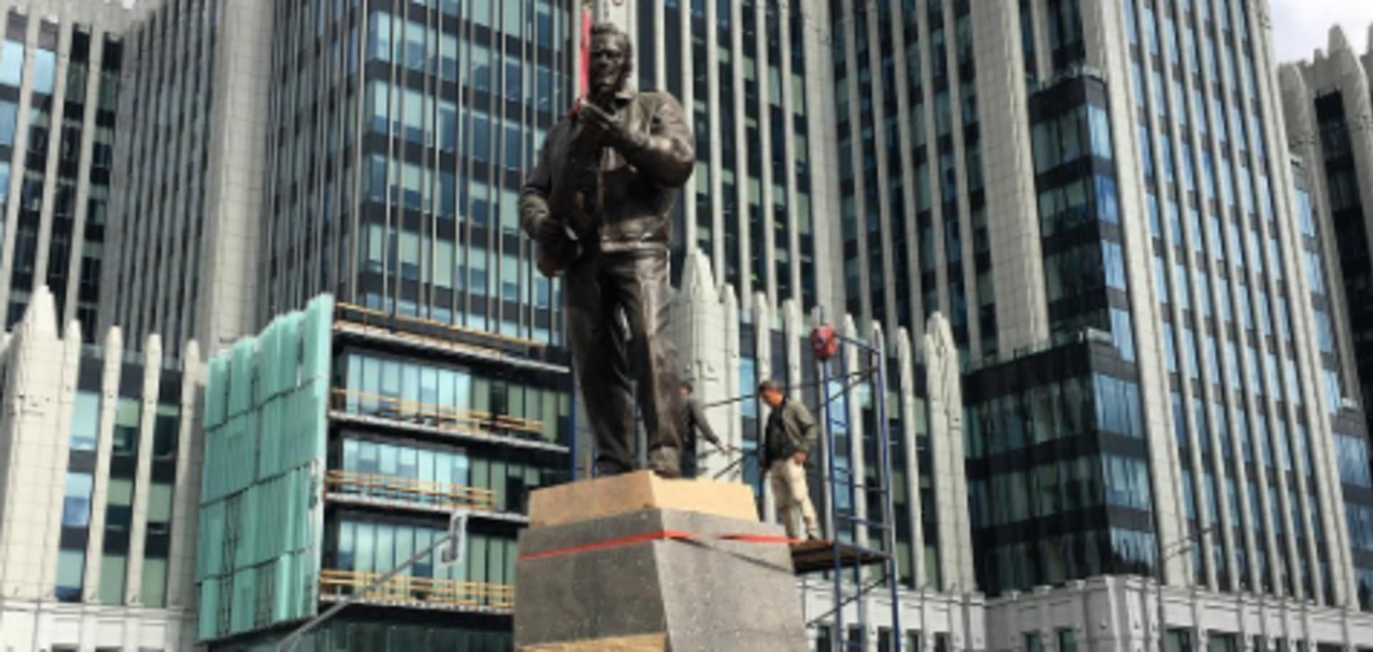 'Де захищав, в Україні?' Макаревич жорстко висловився про пам'ятник 'захиснику російських рубежів'