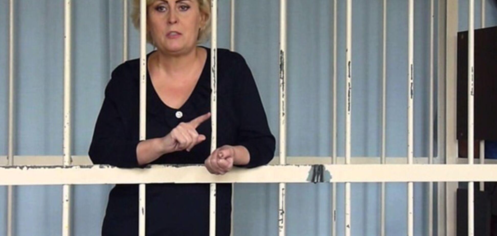 Одиозную сепаратистку выпустили из СИЗО под крики 'Слава Украине!': опубликовано видео
