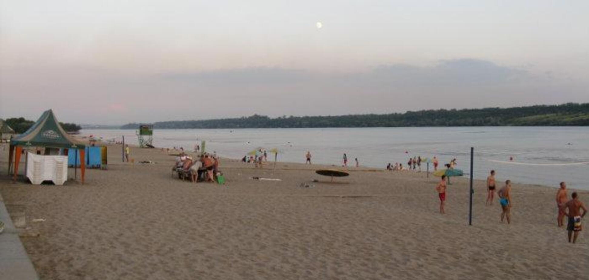На запорожском пляже утонули студенты из Индии