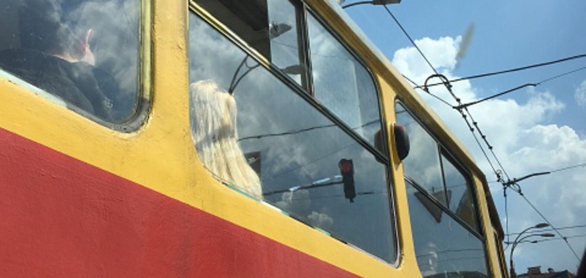 В Киеве трамвай насмерть сбил мальчика: опубликованы фото