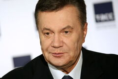 Три банковских КамАЗа: появились детали подготовки побега Януковича