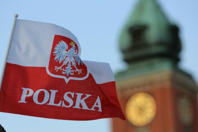 Впервые на коммерческом: телеканал в Польше запустил украиноязычную передачу