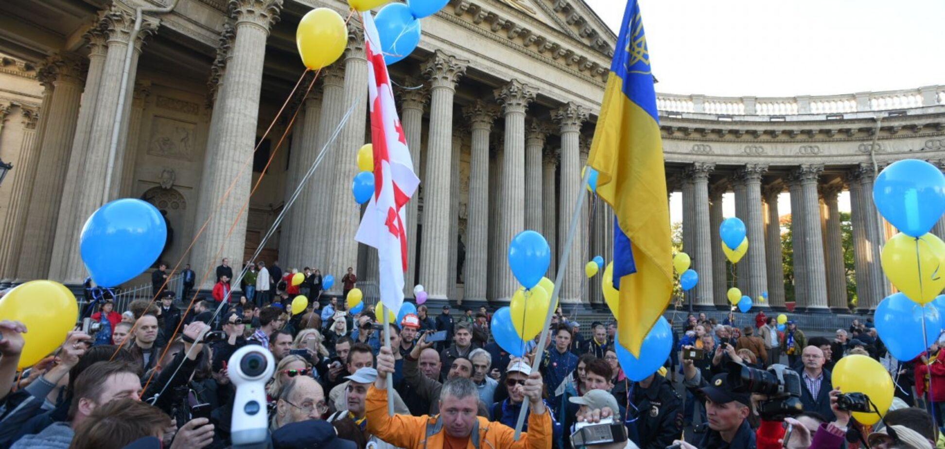 'Путин - это война!' Санкт-Петербург вышел на несанкционированный митинг против войны с Украиной