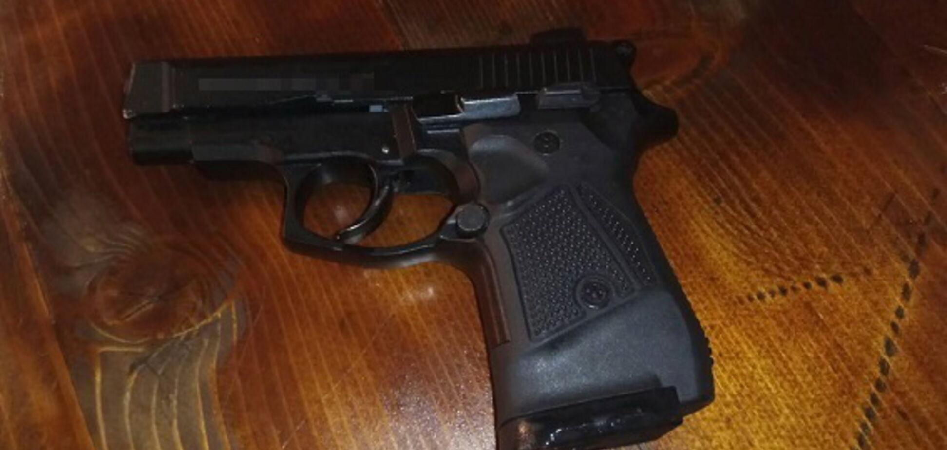 На Закарпатті влаштували стрілянину по відвідувачах кафе: з'явилися фото