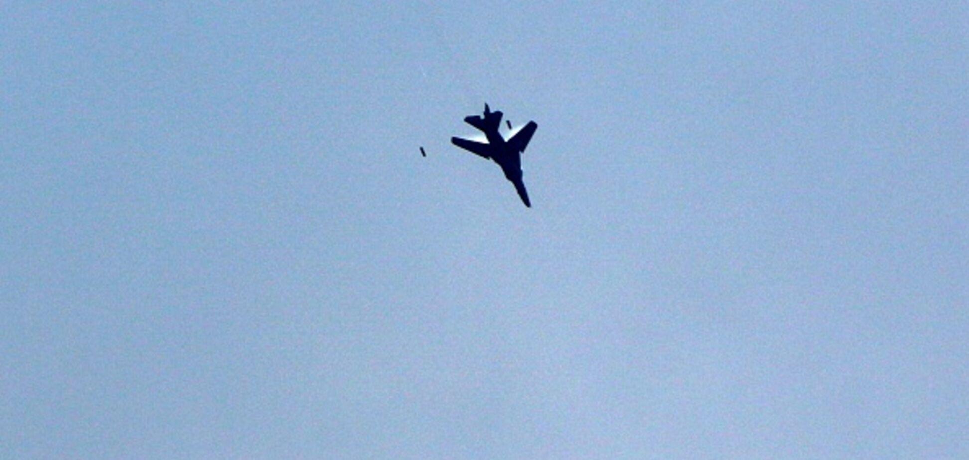 В Італії розбився літак під час авіашоу: момент аварії зняли на відео
