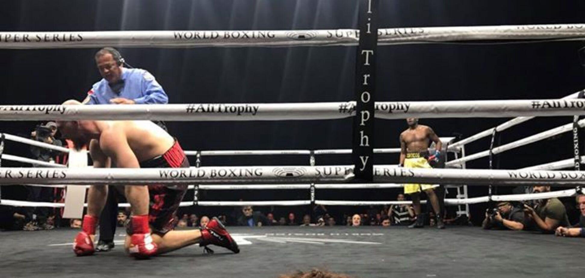 Российского боксера отправили в тяжелейший нокаут в четвертьфинале Всемирной суперсерии бокса: опубликовано видео